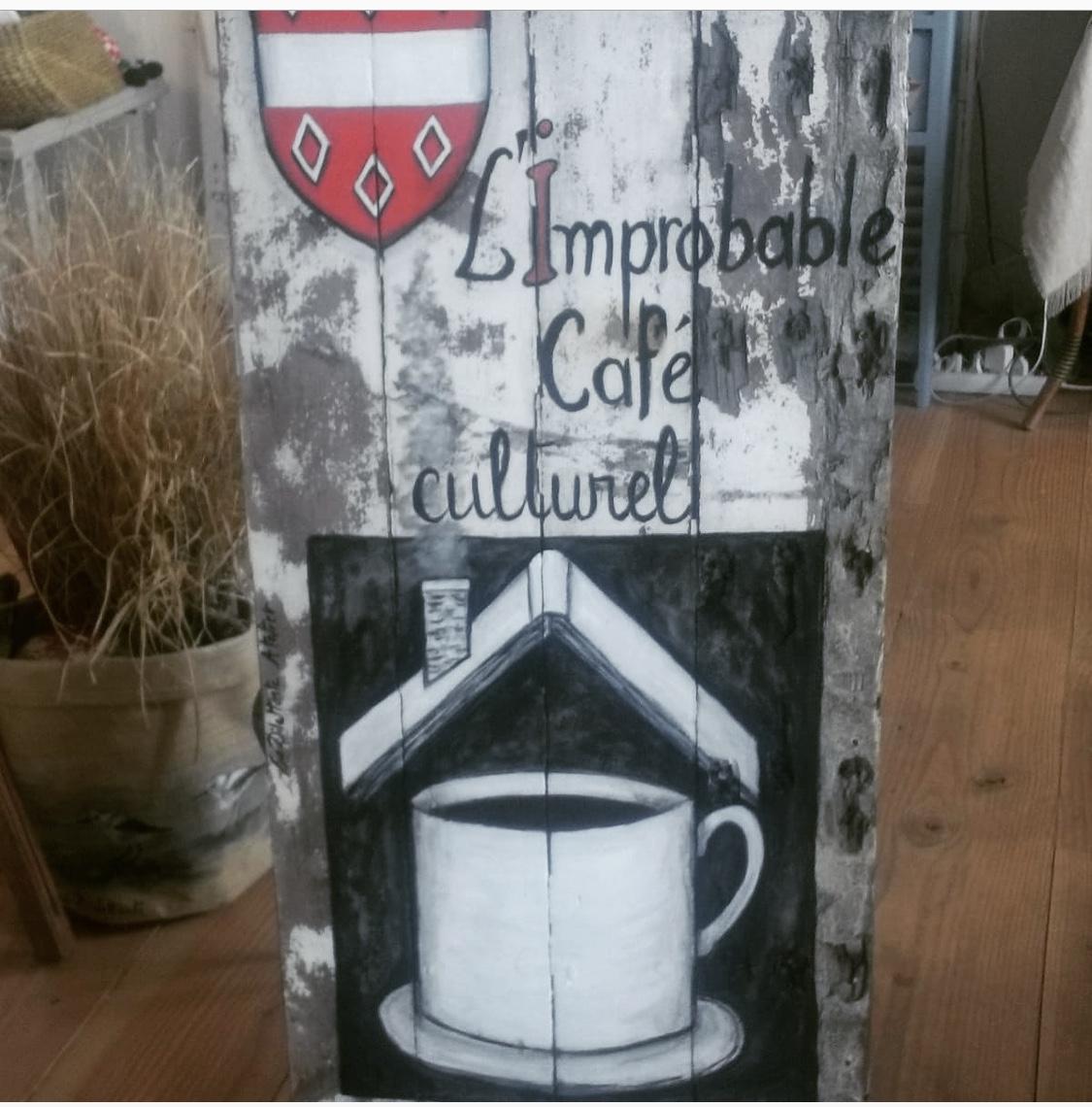 enseigne improbable café culturel