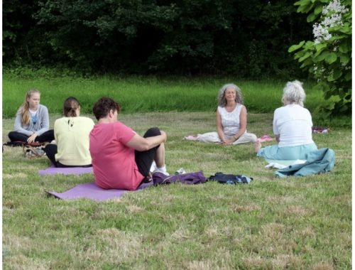 cours de yoga en plein air